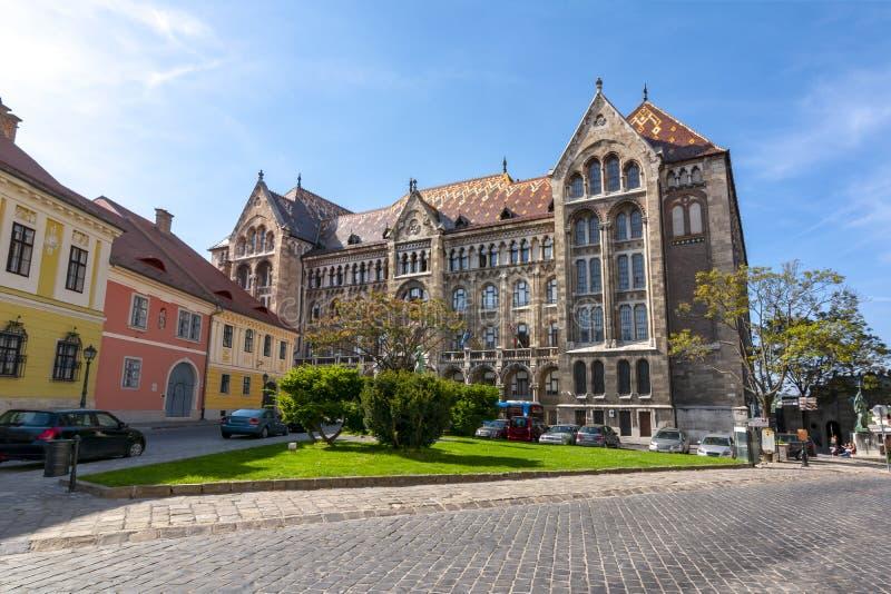 Archives nationales du bâtiment de la Hongrie à Budapest images stock