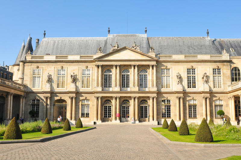 Archiwa buduje w Paryż zdjęcia stock