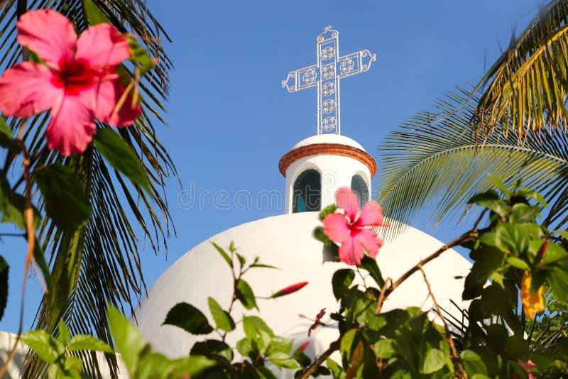 archs钟楼运货马车的车夫教会del墨西哥playaį 免版税库存照片