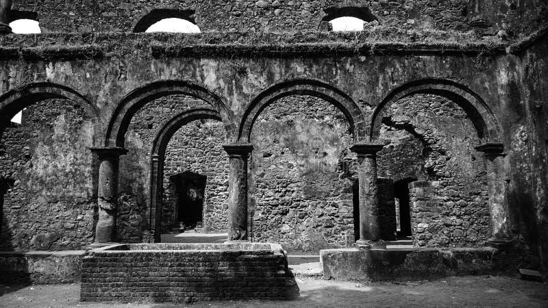 Archs dans l'architecture photographie stock libre de droits