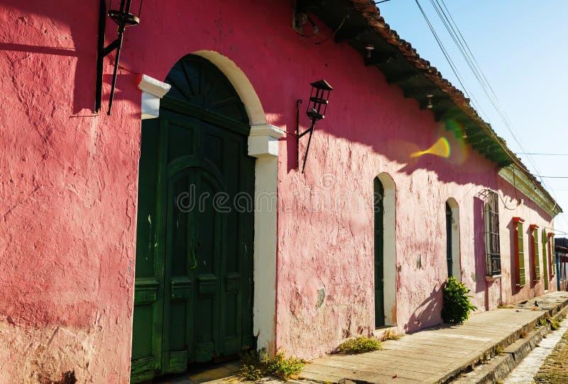 Arcitecture colonial au Salvador photographie stock libre de droits