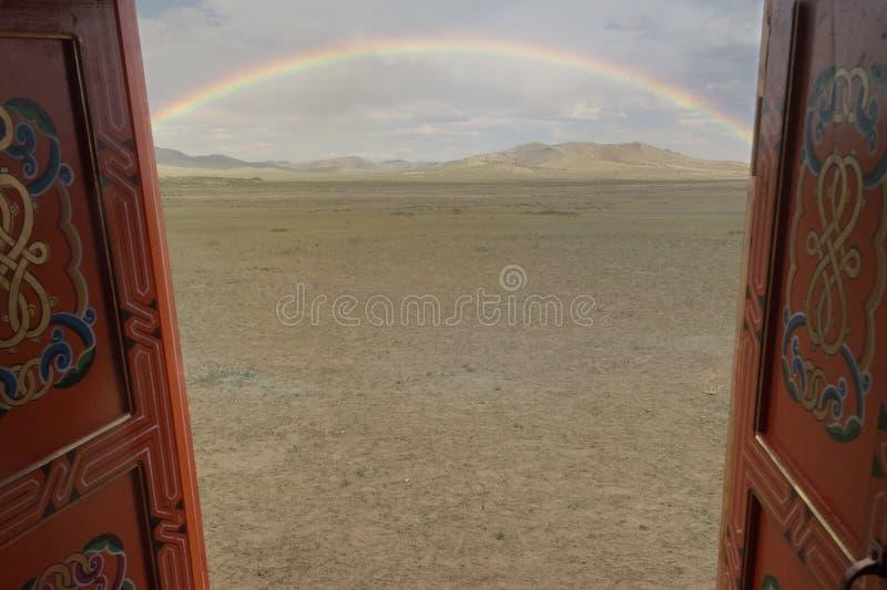 Arco-íris bonito em Mongolie imagens de stock royalty free