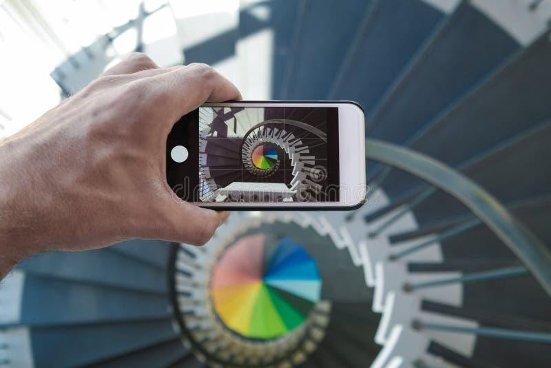 Arco-íris da escadaria espiral fotografia de stock royalty free