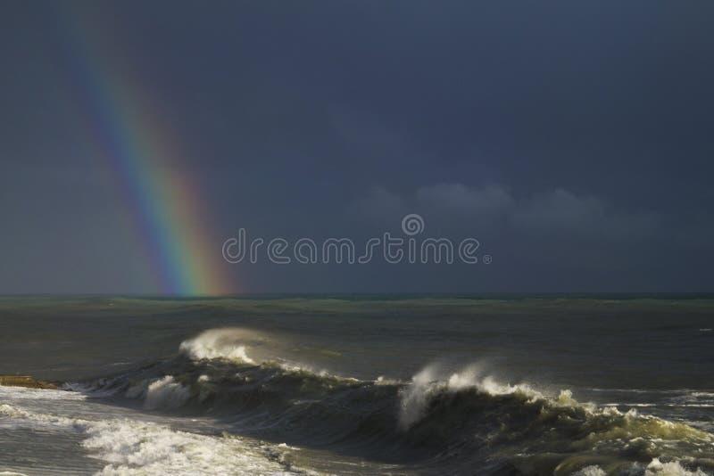 Arco-íris no mar foto de stock royalty free