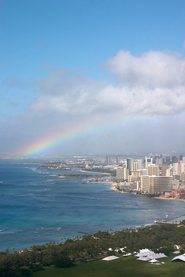 Arco-íris sobre Waikiki imagem de stock