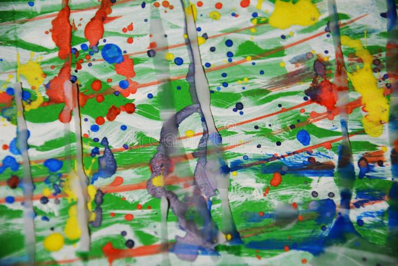 Arco-íris vívido que pinta o fundo ceroso do sumário da aquarela fotos de stock