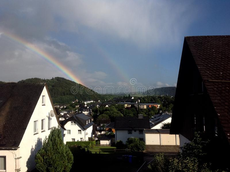 Arco-íris Willingen (Sauerland, Alemanha) imagem de stock