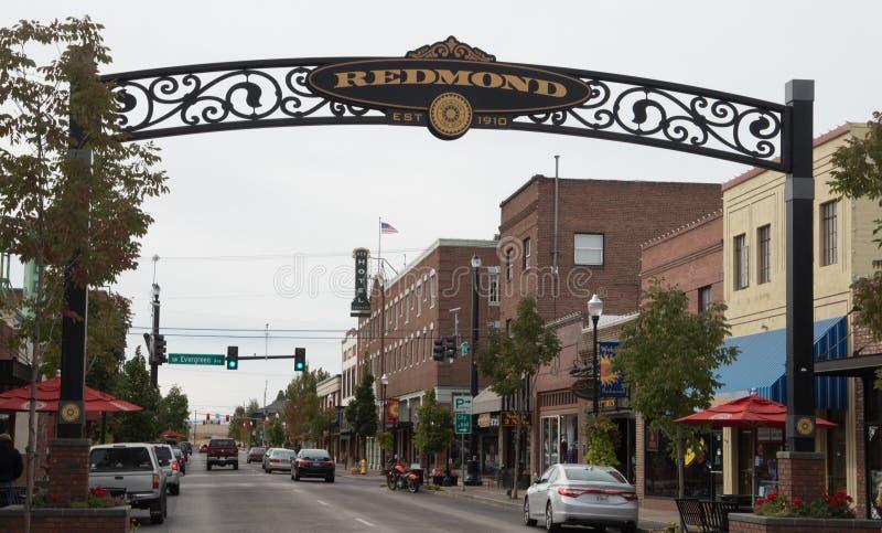 Arco all'entrata a Redmond Oregon del centro fotografie stock