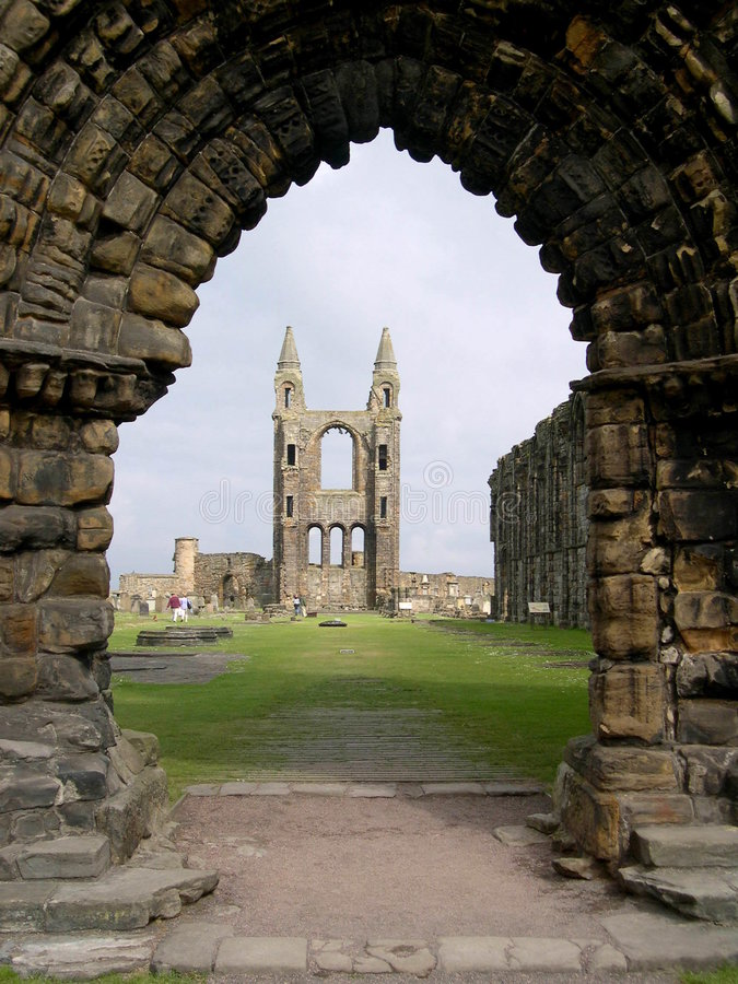 Arco da catedral do St. Andrews fotos de stock royalty free