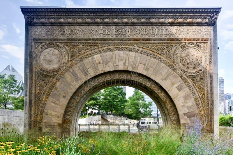 Arco da construção de bolsa de valores de Chicago imagens de stock