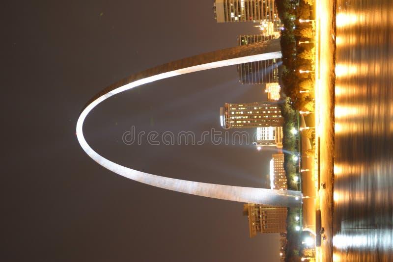 Arco da noite de St Louis fotografia de stock
