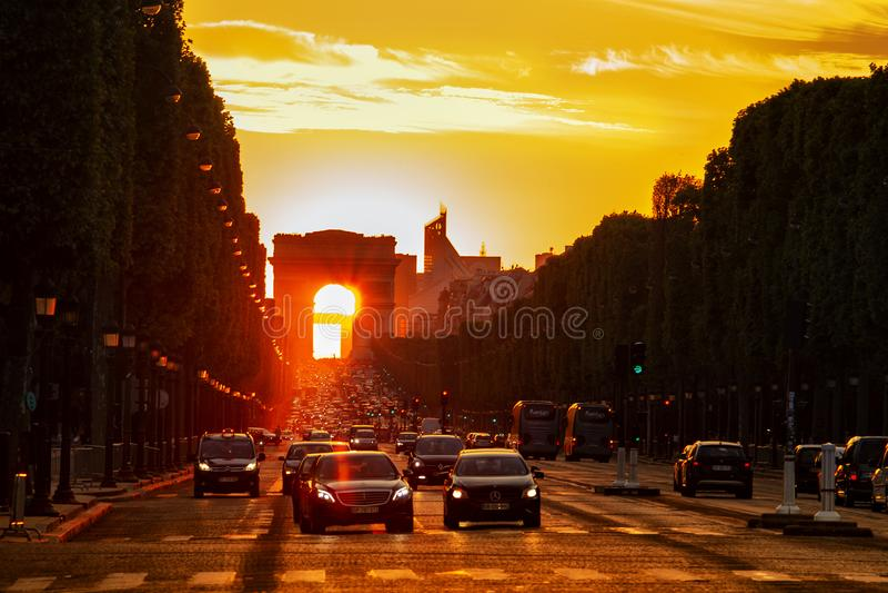 Arco de la puesta del sol de Triumph foto de archivo libre de regalías