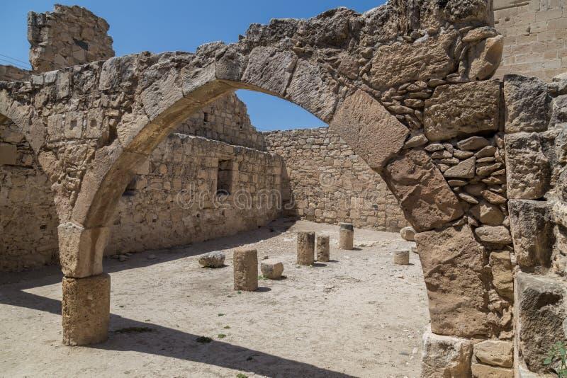 Arco de piedra antiguo Castillo de Kolossi chipre imagen de archivo