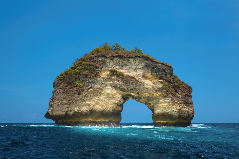 Arco de piedra natural imágenes de archivo libres de regalías