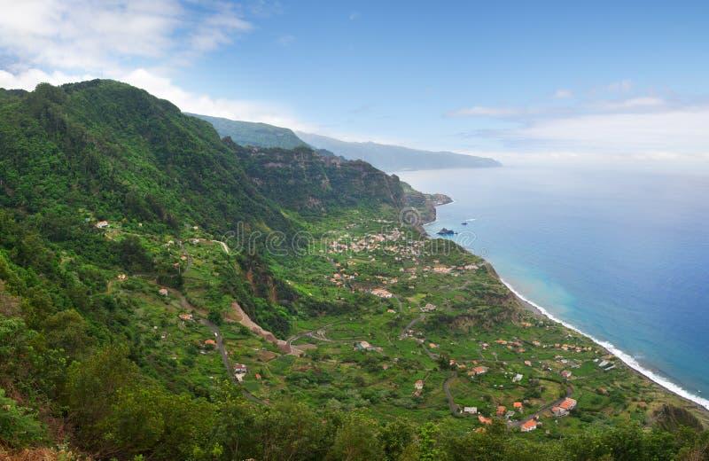 Arco de Sao Jorge, costa costa septentrional de Madeira fotos de archivo
