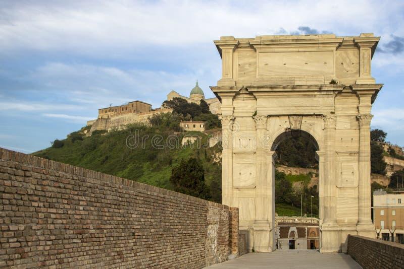 Arco de Trajan imagem de stock