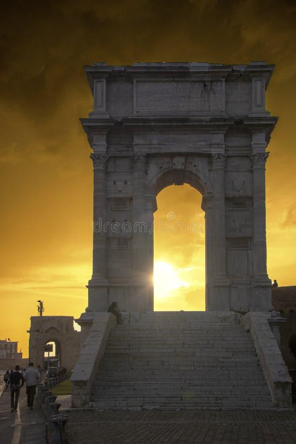 Arco de Trajan imagens de stock royalty free