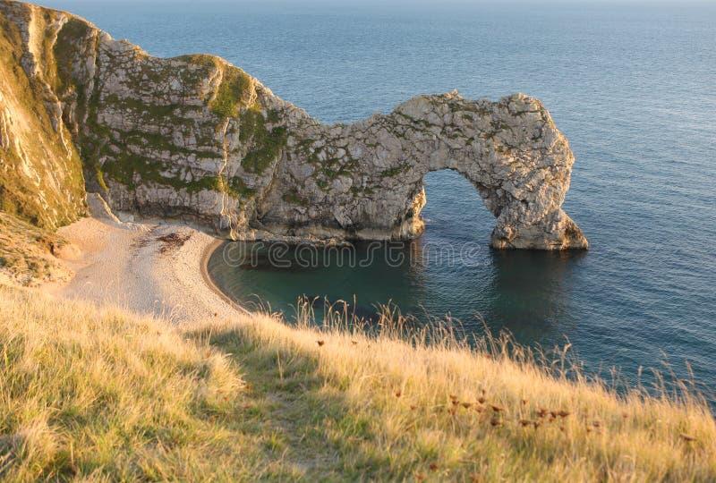 Arco del mare del portello di Durdle, Dorset fotografie stock libere da diritti