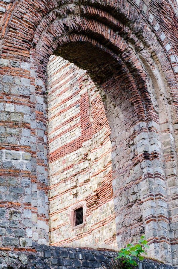 Arco del Trier Roman Baths imperial, Kaiserthermen, Alemania imágenes de archivo libres de regalías