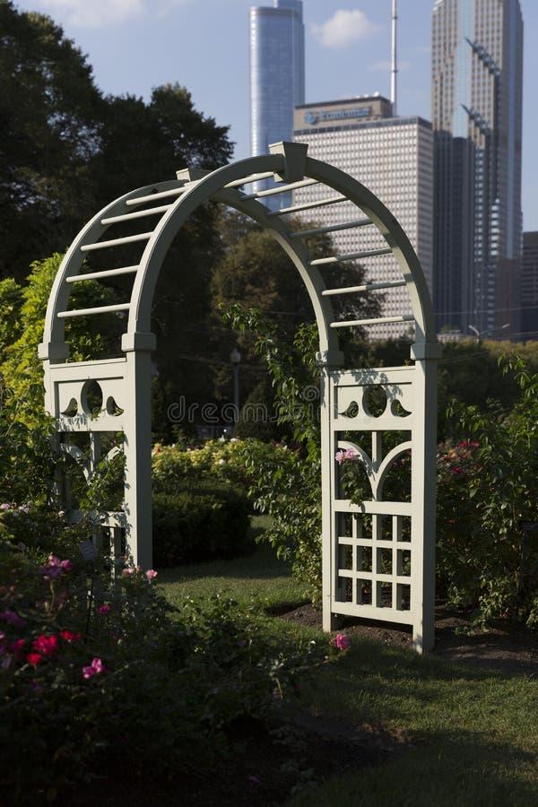 Arco della linea del cielo di Chicago e di Grant Park immagine stock libera da diritti