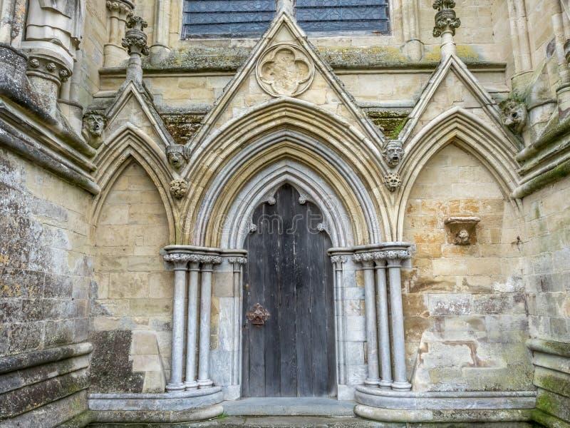 Arco della porta della cattedrale di Salisbury immagine stock