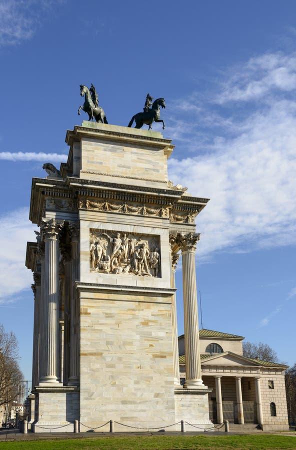 Arco dellatempo en stadsdeur, Milaan royalty-vrije stock foto's