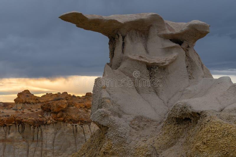 Arco em montes de Alabama, Califórnia do crânio do cyclop imagens de stock