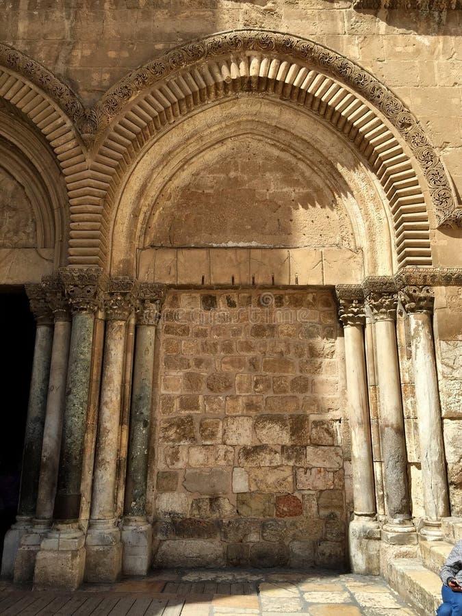 arco en el templo de oro de Jerusalén foto de archivo
