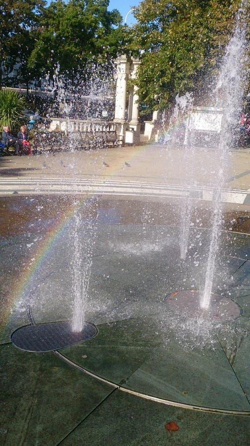 Arco iris de la fuente inédito fotografía de archivo libre de regalías