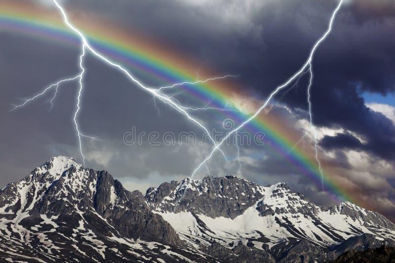 Arco iris de la tormenta imagen de archivo libre de regalías