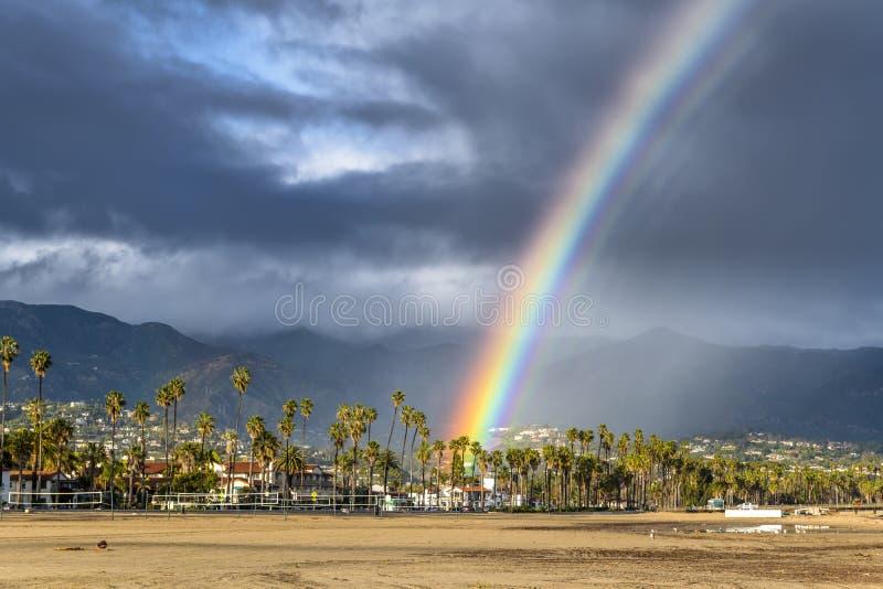 Arco iris durante tormenta en Santa Barbara foto de archivo libre de regalías