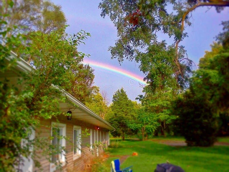 Arco iris en Sunny Day imagen de archivo libre de regalías