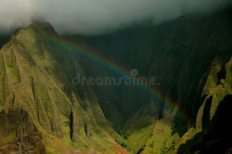 Arco iris sobre el Napali fotos de archivo libres de regalías