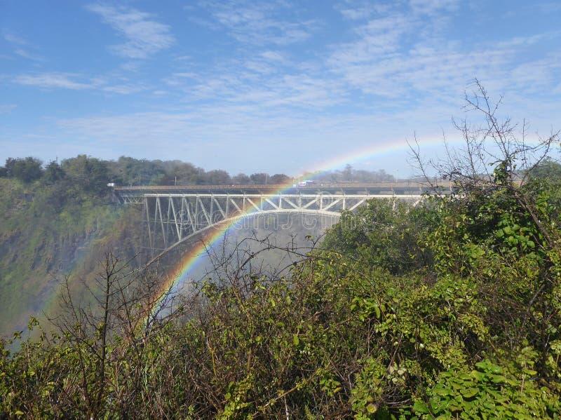 Arco iris sobre Victoria Falls Bridge fotos de archivo