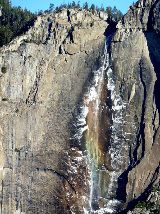 Arco iris Yosemite Falls fotografía de archivo libre de regalías
