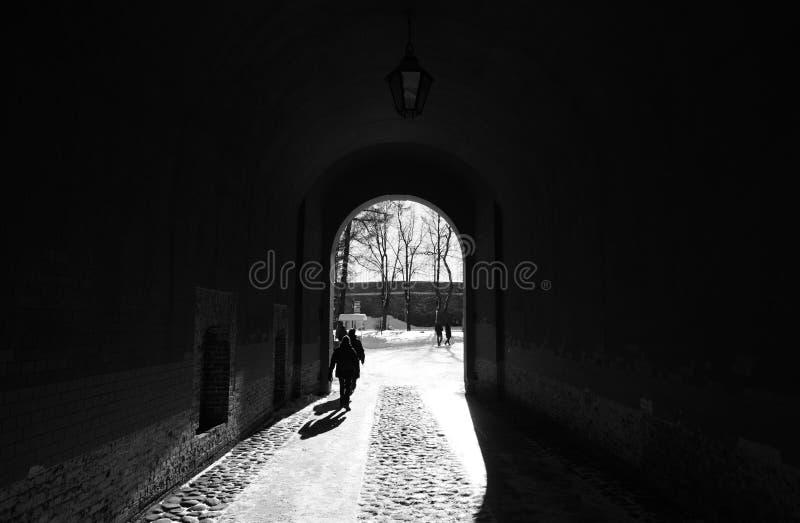 Arco na parede de Peter e de Paul Fortress fotos de stock royalty free