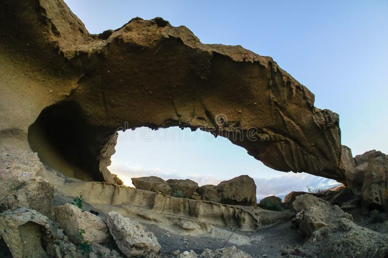 Arco natural en el desierto imágenes de archivo libres de regalías