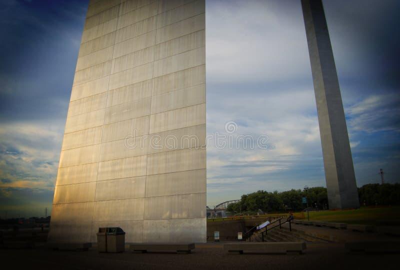Arco no Saint Louis, Missouri da entrada fotos de stock royalty free