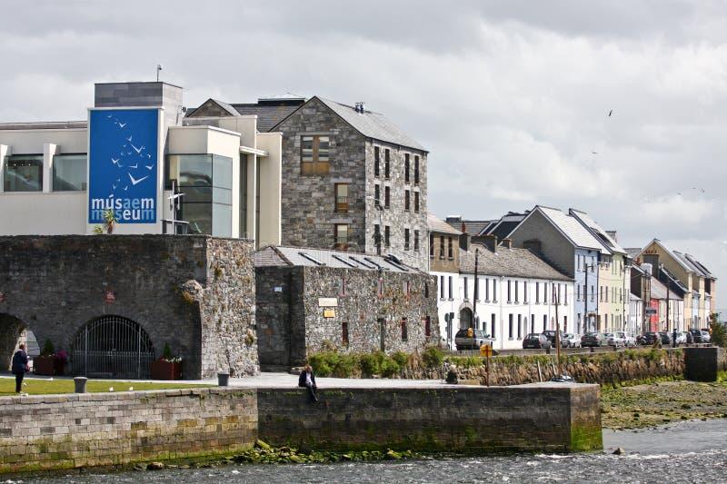 Arco spagnolo, casa del museo della città di Galway, vicino al fiume Corrib, città di Galway, contea Galway immagine stock