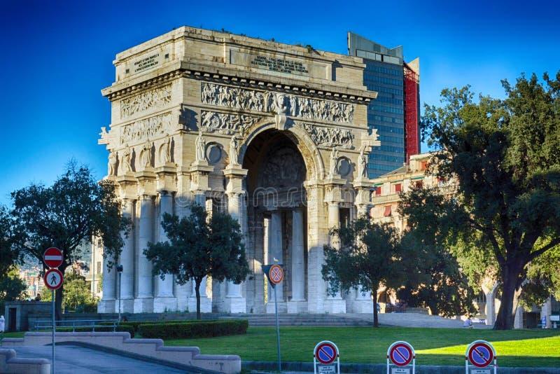 Arco trionfale di Genova, Liguria, Italia, situata sul della Vittoria della piazza fotografia stock