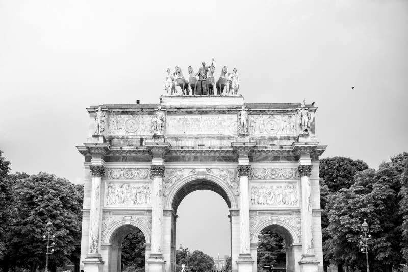 Arco triunfal Arc de Triomphe du Carrossel imagens de stock royalty free