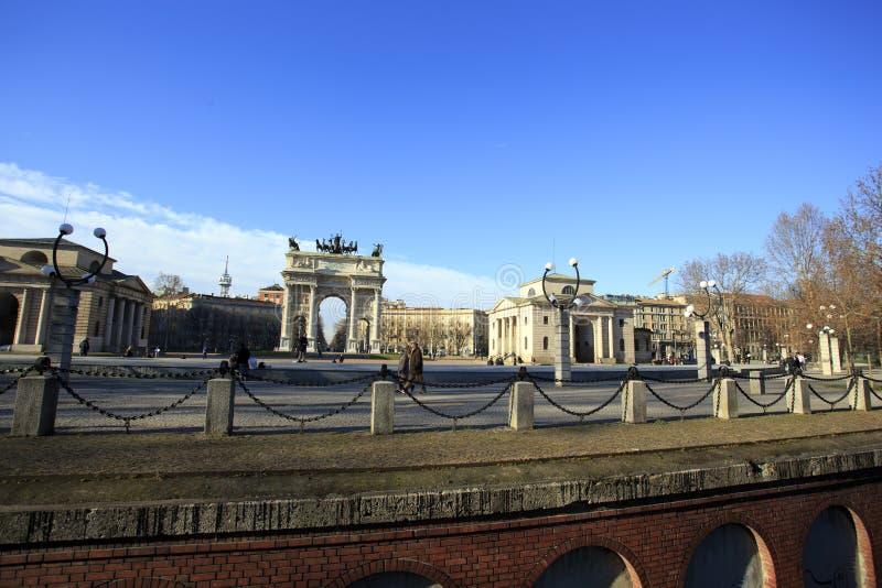 Arco triunfal de Milão no quadrado de Semione foto de stock