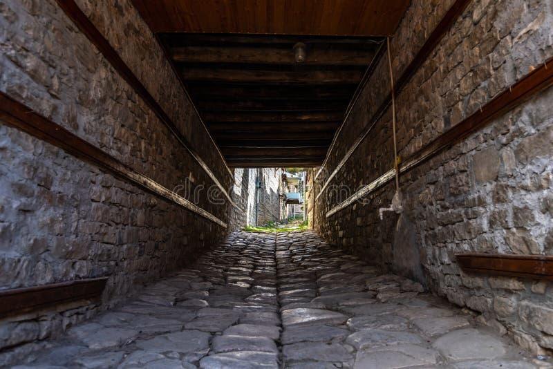 Arco in vecchia città immagini stock libere da diritti