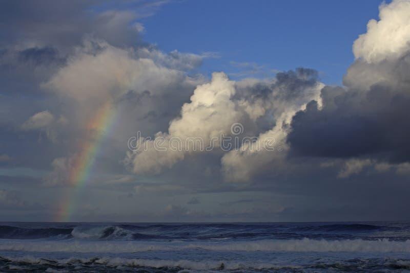 Arcobaleno all'alba immagine stock
