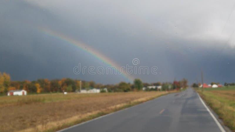 Arcobaleno del paese immagini stock