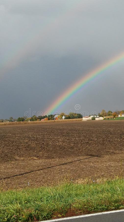 Arcobaleno del paese fotografie stock libere da diritti