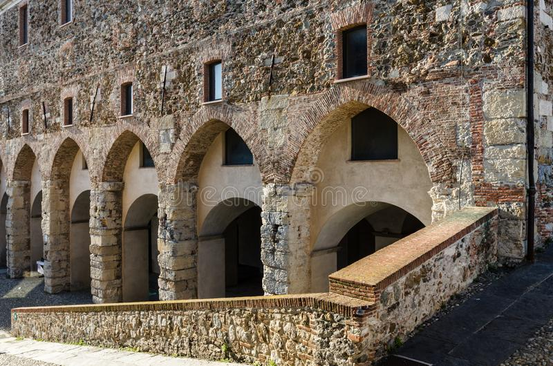 Arcos antigos da alvenaria foto de stock royalty free
