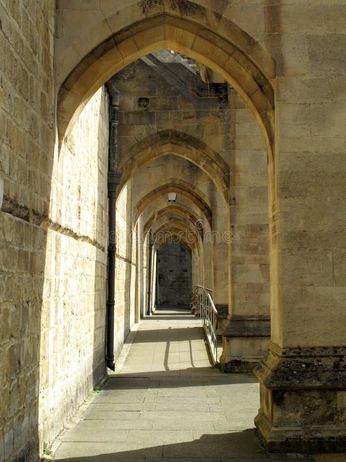 Arcos del contrafuerte de la catedral de Winchester imagen de archivo libre de regalías