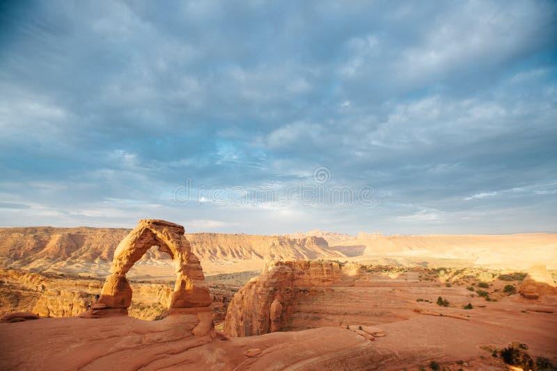 Arcos famosos no parque nacional Moab dos arcos, Utá imagem de stock
