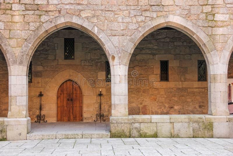 Arcos góticos Palácio do Duques de Braganca Guimaraes portugal fotos de stock royalty free